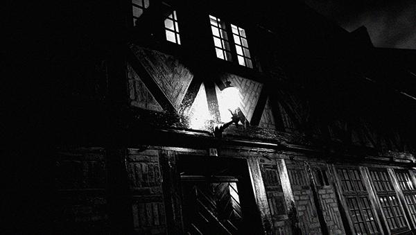 romantisch, gothique, romantique, gotisch, rêve, fantastique, fantastisch, sombre, dunkel, traum, romántico, gótico, soñado, oscuro, fantástico, romantico, gotico, sognato, scuro, fantastico, porte, eau, pierres, , eau, see, mer, cimetière, croix, poème d'amour, lettre d'amour, roman gothique, poème romantique, lettre romantique, poème gothique, gothique et romantique, larme, église gothique, mélancolique, mélancolie, nuit, night, dark, sombre, memories, souvenirs, melancoly, soulages, Baudelaire, Verlaine, Rimbaud, Soulages, noir, baudelaire, verlaine, rimbaud, friedrich, Friedrich, Nietsche, nietsche, noir, black, Maupassant, Mary Shelley, Lewis, Irving, Frankenstein, vampire, vampyre, château, castle, Mozart, mozart, diable, diabolique, Victor Hugo, fantôme, Fantôme, fantome, fantômes, Mont-Saint-Michel, mont saint michel, tombe, grave, doll, poupée, cathédrale, vitraux, vitrail, plage, seaside, beach, Verlaine, Appolinaire, Rimbaud